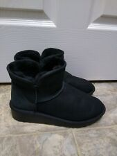 Women's Black Ankle Boots Size 8 Sheep Fur Inside Them very soft and warm