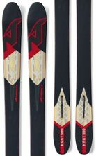 Skis noirs Nordica