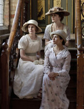 Downton Abbey -L6649- Michelle Dockery, Laura Carmichael, Jessica Brown Findlay