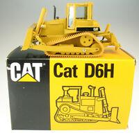 CONRAD 2851 - CATERPILLAR D 6 H Planierraupe - 1:50 - Baumaschine CAT Bulldozer