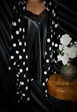 Nightgown,Peignoir set. XL, NWT Flora Nikrooz/Joe Boxer. Lovely and whimsical.