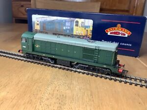 Bachmann 32-027 BR Green Class 20 Diesel Locomotive D8000 with Indicator Discs