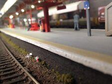 Trackside Litter, Model Railway Accessories,OO Gauge, 1/76 Scale trains
