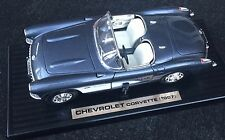 RoadTough 1:18 Chevrolet Corvette (1957)  Die-Cast Metal