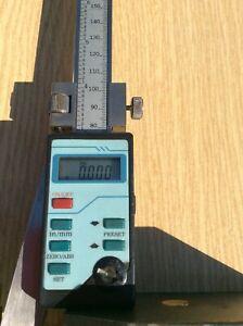 digital vernier height gauge no name but in good working order