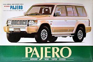Mitsubishi Pajero V20 Urban 4WD Series 1990 – 2000 1:24 Kit Construcción