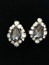 Unbranded Cluster Oval Costume Earrings