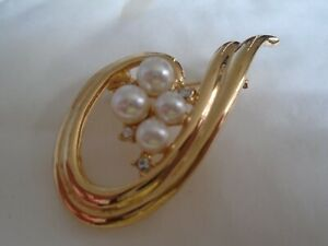 Swirl Brooch With White Stones & A Imitation Pearl's