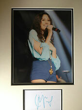 ELIZA DOOLITTLE - CHART TOPPING SINGER - EXCELLENT SIGNED COLOUR PHOTO DISPLAY