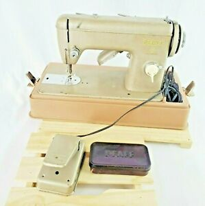 PFAFF 6 Heavy Duty Sewing Machine 6091 Vintage+Case Accessories Foot Pedal bulb