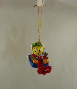 Warner Bros Tweety bird sledding 2000  Christmas ornament