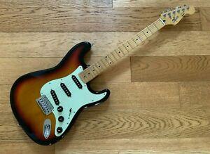 Squier Stratocaster Sunbust Guitar - Korean M Series - Fender Tuners