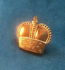 Queen Elizabeth II Cornation Crown Gold Pin Badge. St Edwards Crown Jewels