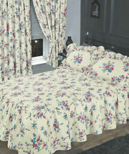 Floral Traditional Decorative Quilts & Bedspreads