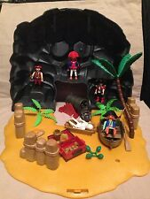 Playmobil Play Set Pirates Skull Island figures case swords treasure boat cannon