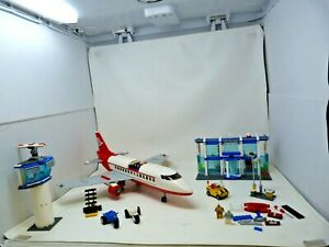 Lego City 3182 Airport Set - With instructions - a few pieces missing