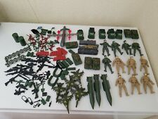 120 pcs Military Playset Plastic Toy Soldier Army Men Figures & Accessories