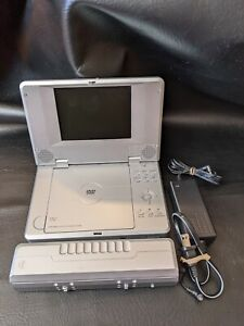 """Sungale Pd580 Portable DVD CD MP3 Player 5.6"""" Screen Working"""