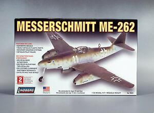 Lindberg 70551 MESSERSCHMITT ME-262 Aircraft Model Kit 1/48