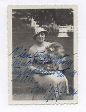 PHOTO ANCIENNE 1934 Écriture à la plume DÉDICACE FEMME CHIEN CHAPEAU PARC