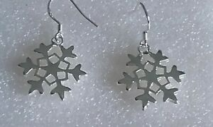 New dangly snowflake silver plated earrings