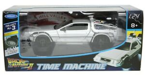 De Lorean DMC 12 Flying version from Back To The Future in Silver 1:24 scale