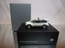 MINICHAMPS BMW X5 STEWARD CAR MOTO GP - WHITE 1:43 -  EXCELLENT DEALER BOX