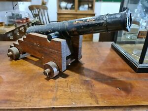 VINTAGE WOODEN TOY CANNON MODEL