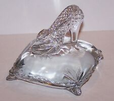 LOVELY DISNEY WATERFORD CRYSTAL CINDERELLA SLIPPER ON PILLOW FIGURINE/SCULPTURE