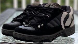 Heelys Skate Grind Shoes 9152 Men's 6 US Black/ White W/ Wheels