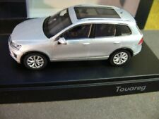 1/43 HERPA vw touareg argent 2015