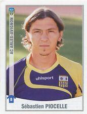 019 SEBASTIEN PIOCELLE AC.ARLES-AVIGNON  FC.CROTONE STICKER FOOT 2011 PANINI