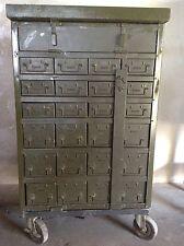 Schubladenschrank Loft Vintage IndustrieDesign Antik Werkstatt 40er Alt Metall