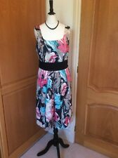 MARKS AND SPENCER    ROCKABILLY DRESS   SIZE 12. NET UNDERSKIRT. PINK KNEE L