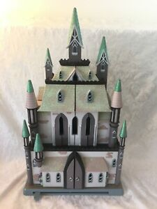 Disney Store FROZEN Arendelle Castle Dollhouse Playset Furniture Doll Toy Figure