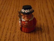 Carol Ann Miniatures Collectible Pewter Thimble Beefeater MIB