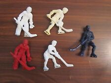 FIVE 1956/57 Kelloggs Cereal Plastic Hockey Players. 2 Goalies + 3 players
