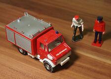 Modellauto Feuerwehrauto L=11cm + 2 Personen (AA1)