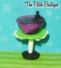 MONSTER HIGH GHOULS RULE ABBEY BOMINABLE DOLL REPLACEMENT CAKE PLATE & STAND SET
