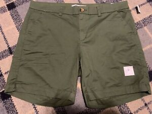 "NEW Old Navy Everyday Shorts, Olive Green, Ladies Size 18, Stretch,7"" inseam,NWT"