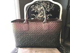 AUTHENTIC Bottega Veneta Medium Scarabeo Cabat $7500 - NEAR MINT / WOW!!