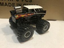 ERTL  Collect & Play  1:64 diecast 1956 Chevrolet Nomad Monster Truck