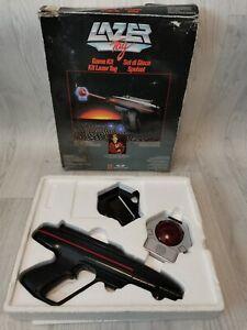 VINTAGE MATTEL WORLDS OF WONDER LAZER TAG GAME KIT STARLYTE GUN SENSOR & HOLDER