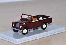 Brekina/Starmada - Land Rover III 109 offen - weinrot - Nr. 13752 - 1:87