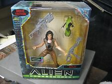 1997 Hasbro Signature Series Alien Resurrection Ripley NIB