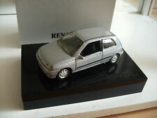 Solido Renault Clio in grey in Dutch Gift box on 1:43