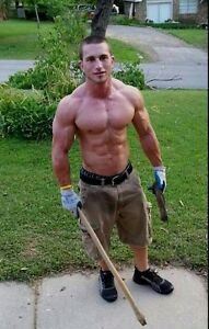 Shirtless Beefcake Muscle Male Lawn Guy Hunk Ripped Physique PHOTO 4X6 C1851