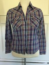 LEE, VINTAGE LOOKING CHECK SHIRT. SIZE SMALL. Approx Size 10-12 .
