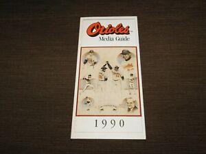 VINTAGE 1990 BALTIMORE ORIOLES BASE BALL MEDIA GUIDE BOOK