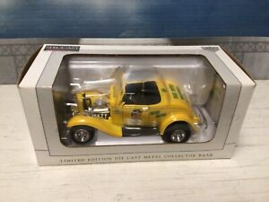 LIMITED EDITION, SPECCAST, JIM BEAM,1932 Ford Roadster Hot Rod, DIE CAST, 1:24